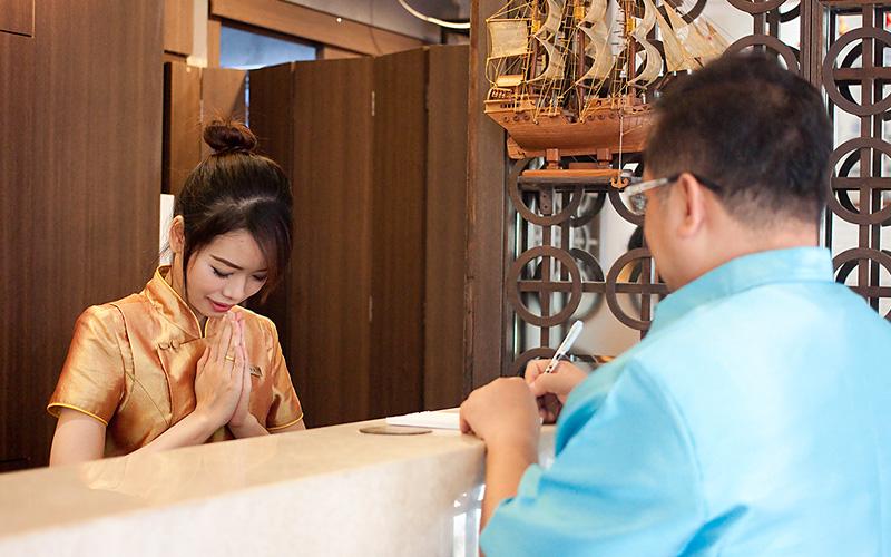 China Town Hotel Bangkok :24小时人员接待